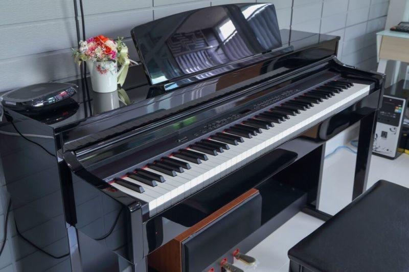 電子ピアノ画像