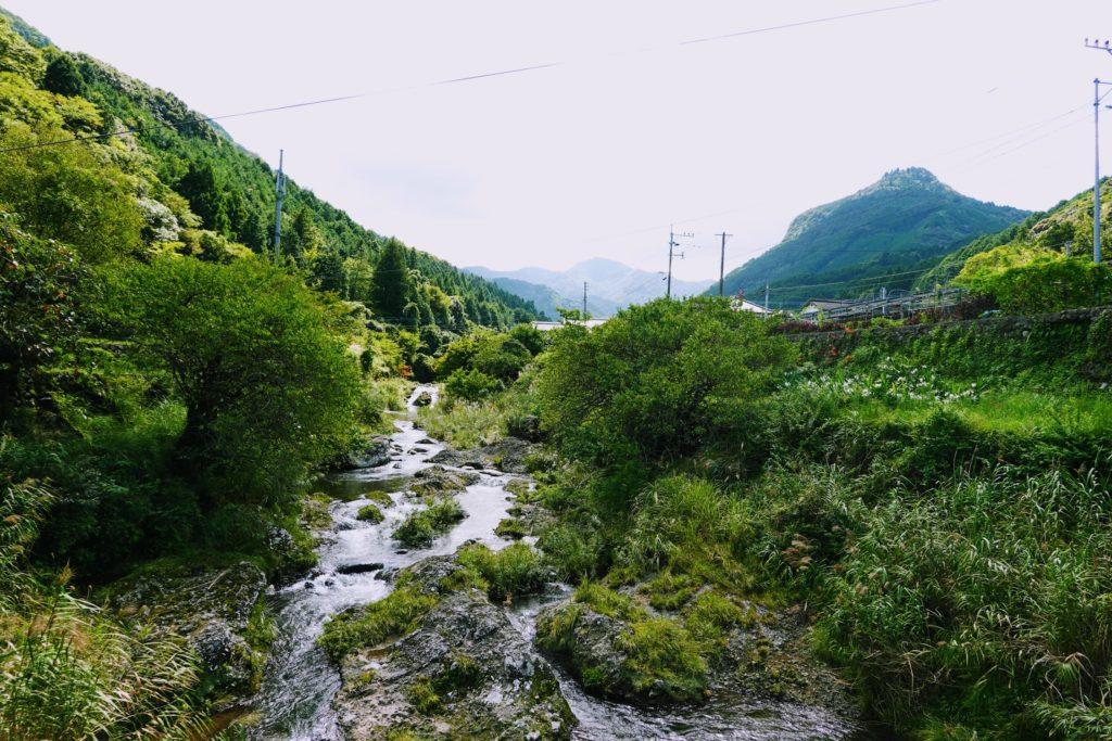 求菩提山と岩岳川