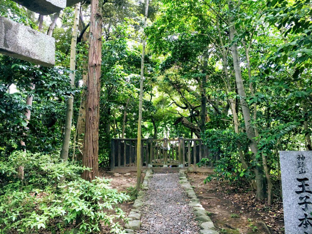 八幡西区一宮神社の神籬磐境