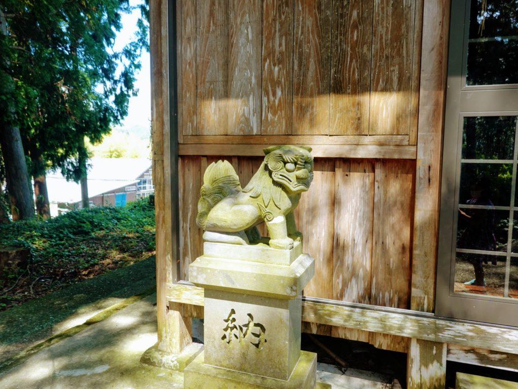 臼杵神社狛犬
