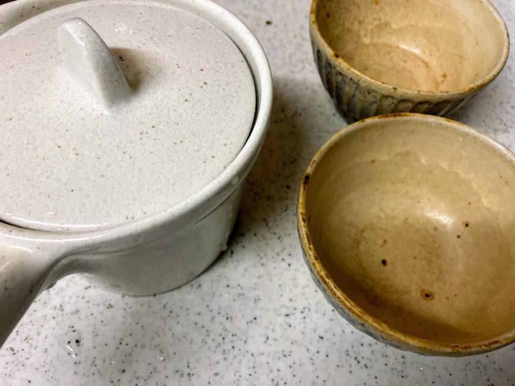 ニトリの急須でからつ茶をいれる